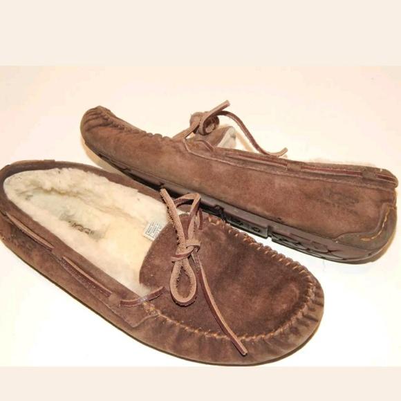 b4a03ce9b3f UGG Australia DAKOTA Women Size 8 S/N 5612 Slipper